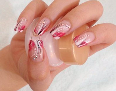 Beauty Nail Design for Women: Hand Painted Nail Designs