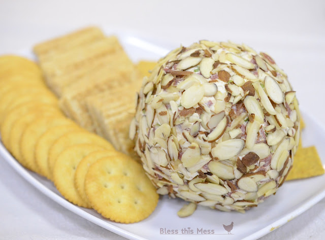 beef and onion cheese ball recipe, how to make cheese balls, deli cheese ball recipe