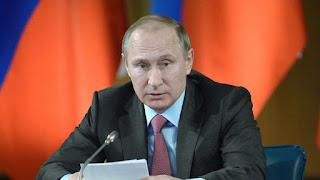 Ο Ρώσος πρόεδρος Βλαντιμίρ Πούτιν απάντησε στις ερωτήσεις των θεατών στην κρατική τηλεόραση
