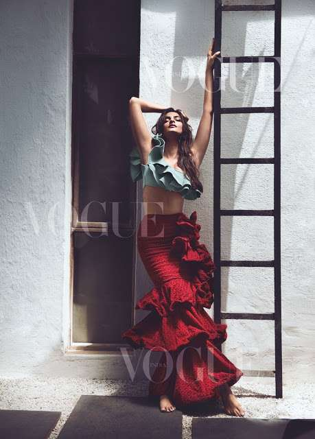 Sonam Kapoor Sizzling Hot on New VOGUE Magazine Issue June 2017