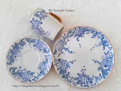 Conjunto de Porcelana pintado à mão