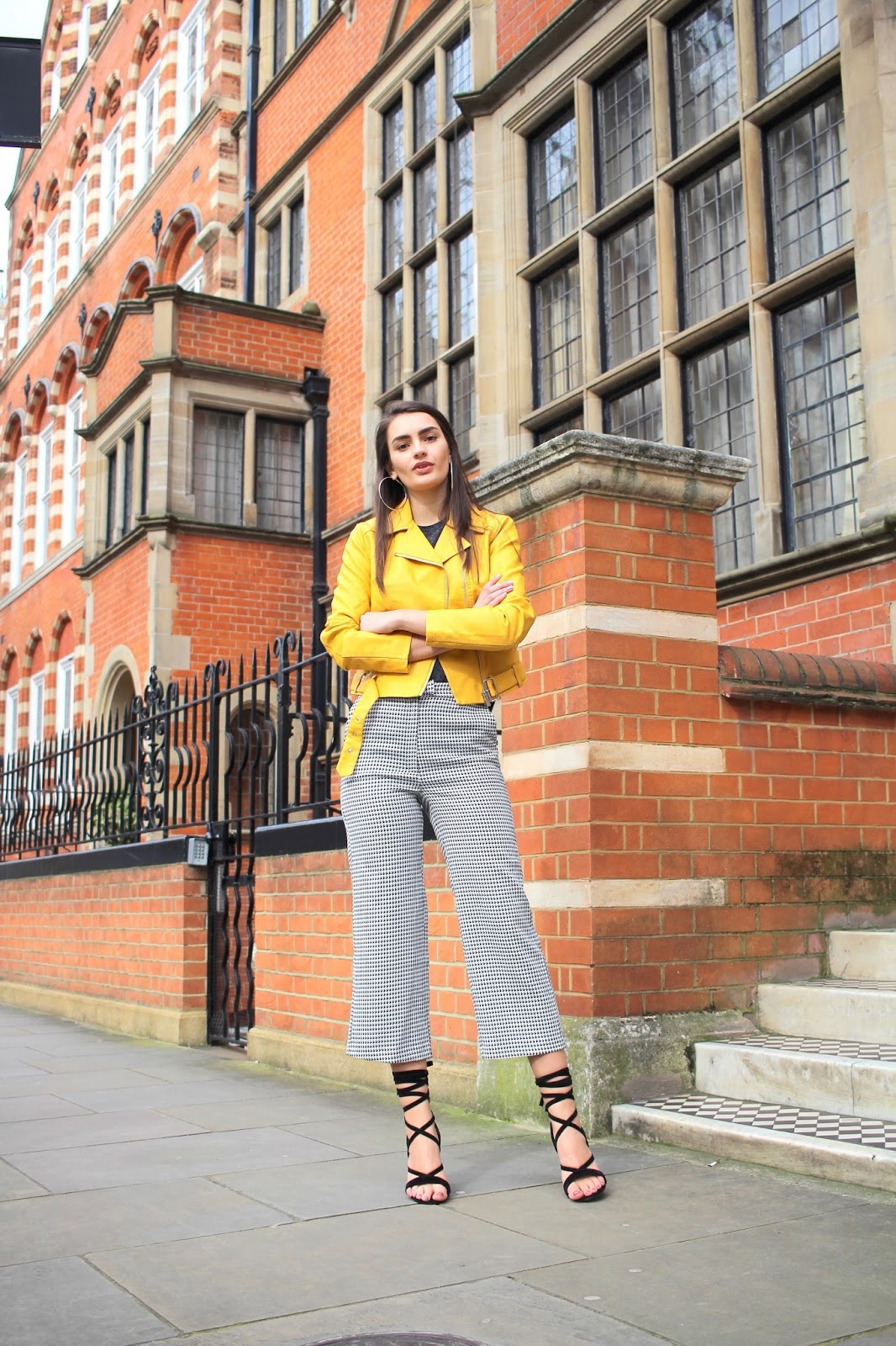 fashion blogger peexo new look houndstooth yellow