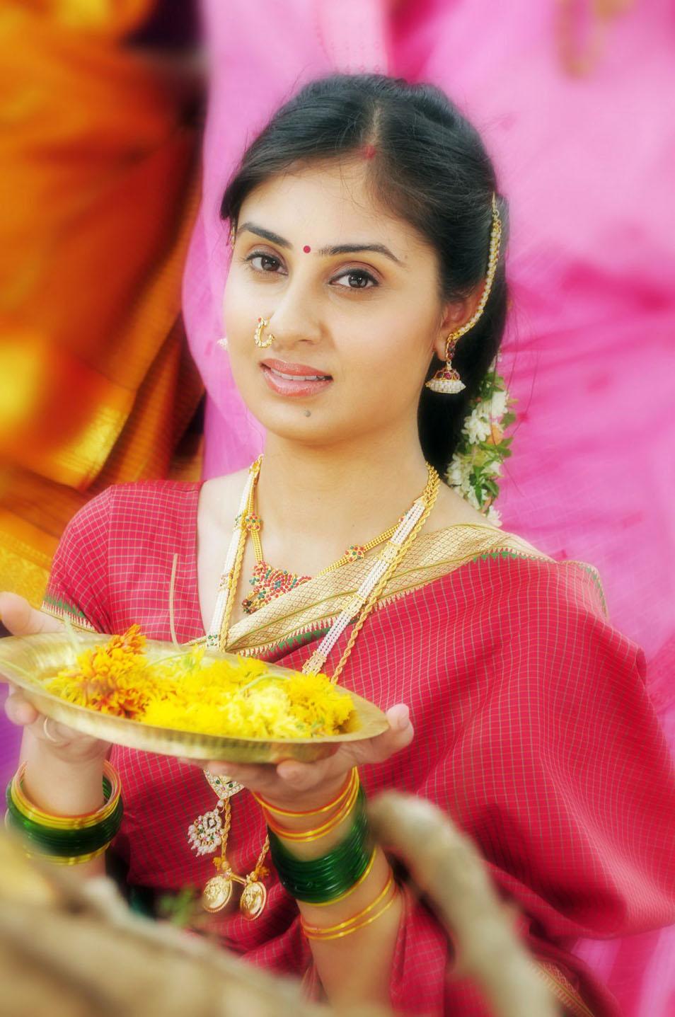 Bhanu sri mehra latest stills in saree