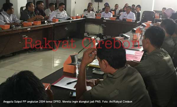 satpol pp temui dprd kabupaten cirebon