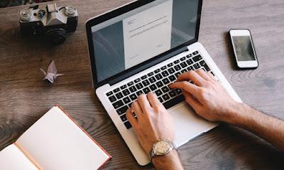 Menawarkan jasa content writing