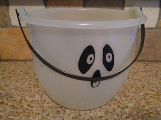 Upcycle your old floor in the dark Halloween bucket into an Easter bucket