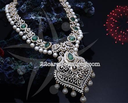 Attractive Short Diamond Necklaces