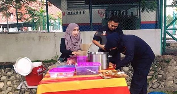 Gadis Nasi Lemak Anak Dara Di Saman Penguatkuasa MBSA Kerana Nasi Lemaknya ….