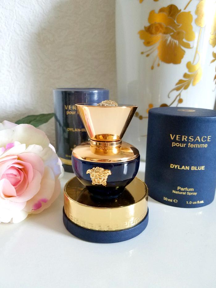 Review: VERSACE - Dylan Blue pour femme Eau de Parfum - Madame Keke Luxury Beauty and Lifestyle Blog 1