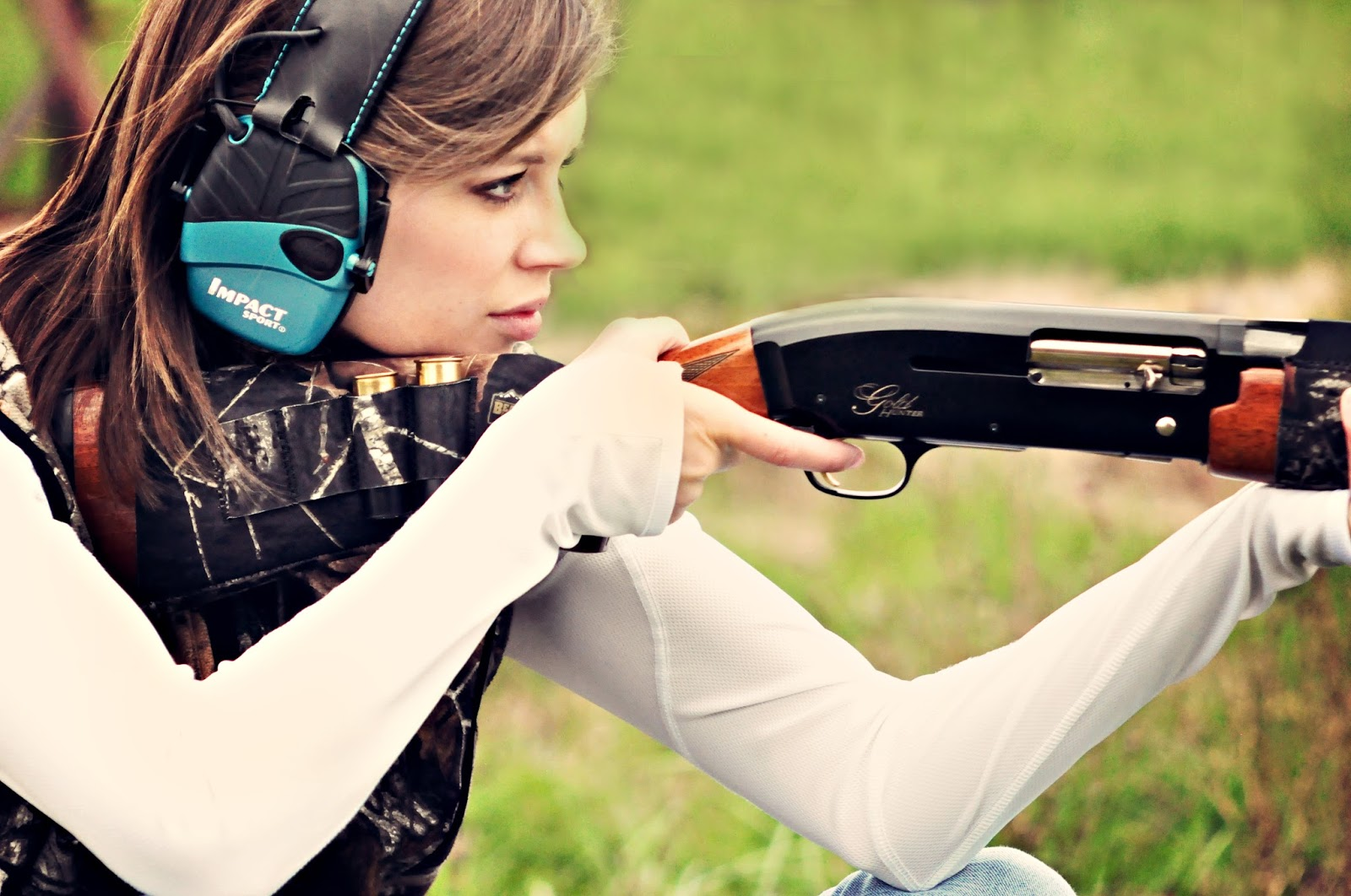 Basic Ways To Choose The Electronic Earmuffs For Shooting