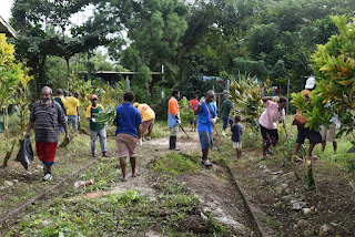 SDA Churches clean-up Kiunga Hospital