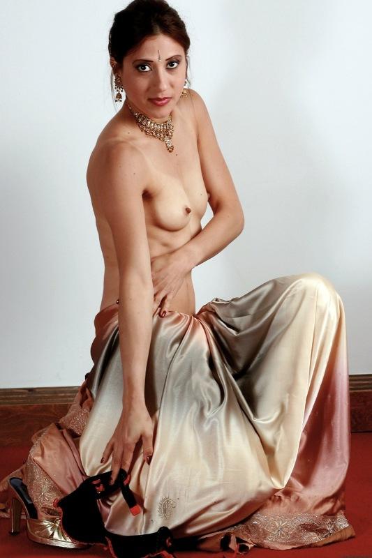 saree nackt muschi