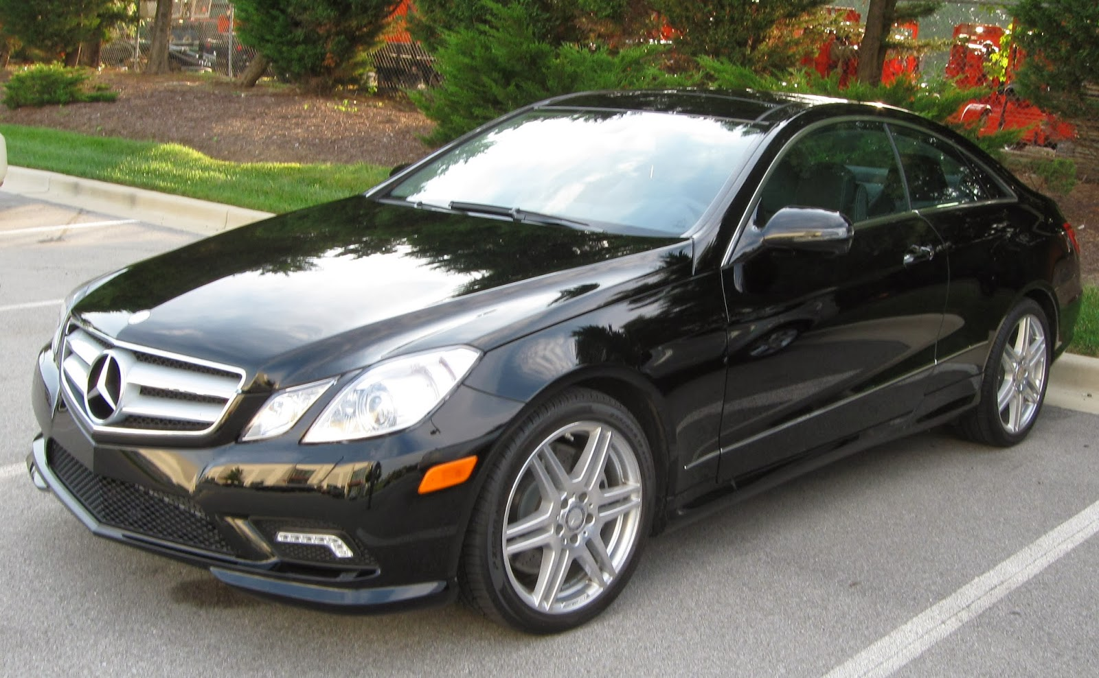 mercedes e350 coupe wallpaper just welcome to automotive. Black Bedroom Furniture Sets. Home Design Ideas