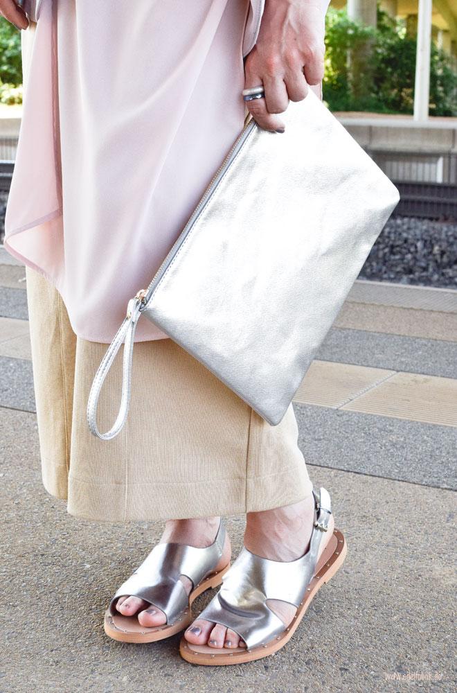 Müssen Schuhe und Handtasche immer zusamenn passen?
