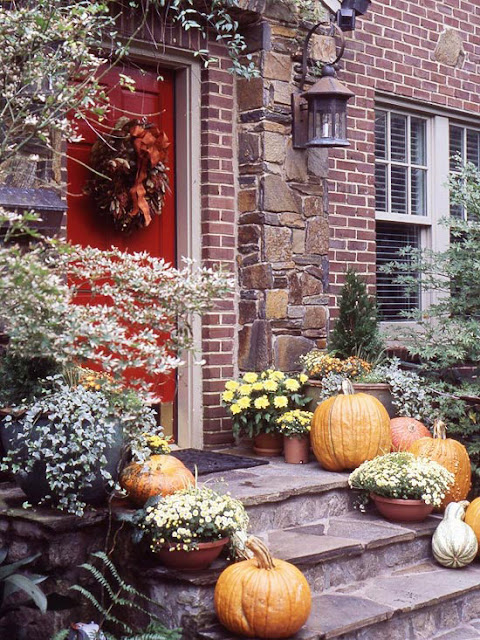 Northern Nesting Outdoor Fall Decorating Ideascourtesy of BHG
