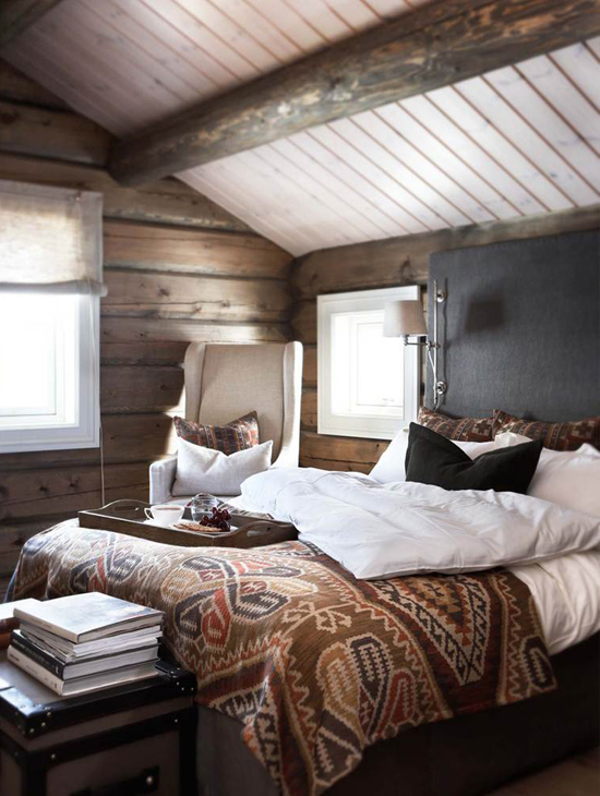 Cozy rustic bedroom via Slettvoll