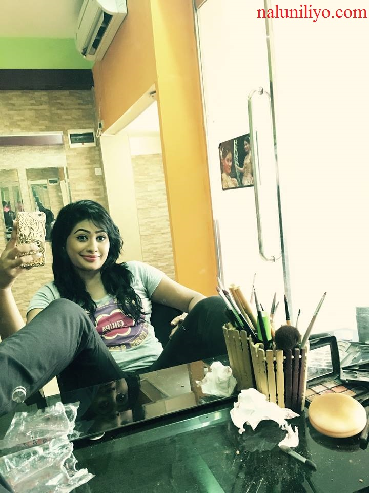 Piumi Hansamali hot selfies
