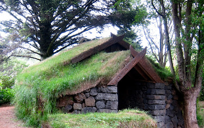 sod-roofed house (botanical garden, Reykjavik, Iceland)