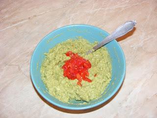 Preparare sos guacamole retete culinare,