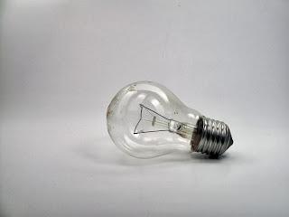 light Bulb by VVolny Tutorial Surreal Manipulasi dengan Photoshop