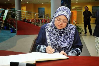 Hasil carian imej untuk prof. datuk seri dr. zaleha kamaruddin