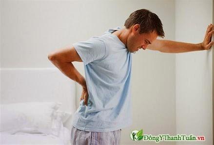 Vận động khó khăn là triệu chứng bệnh viêm khớp