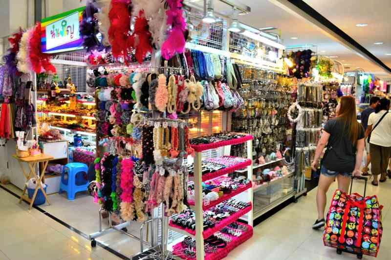 wandering can t go home thailand   platinum mall bangkok