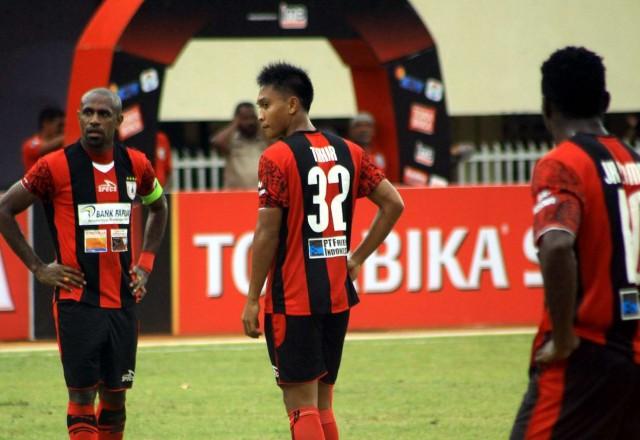 Persipura Gagal Pertahankan Rekor Kandang Usai Kalah 0-1 dari Madura United