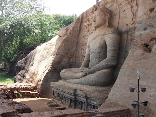 budas Polonnaruwa