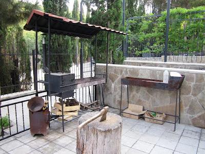 Мангал Гостевого дома у парка Семидворья