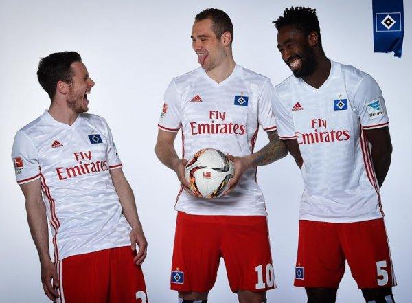 fa1cb256679f1 ... a nova camisa é produzida pela parceira de longa data Adidas. O novo  modelo tem inspiração na camisa reserva usada pelo clube em 2014-2015
