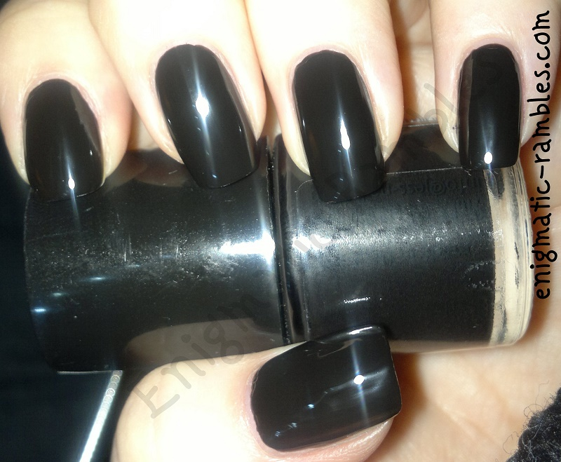 swatch-poundland-jess-nail-polish-midnight