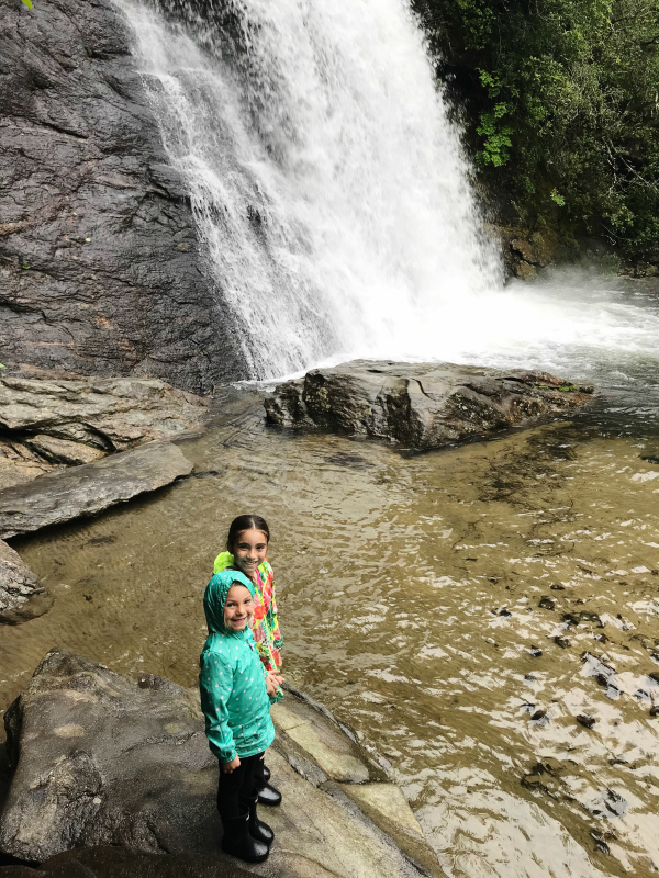 north carolina mountain getaway, travel nc, north carolina mountains, dry falls, north carolina blogger