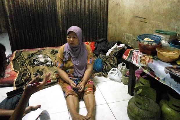 Presiden Jokowi Memberikan Bantuan 10 Juta Kepada Ibu Penjual Nasi Warteg Di Serang Banten