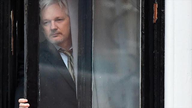 Ecuador corta sistemas de comunicación de Assange con el exterior