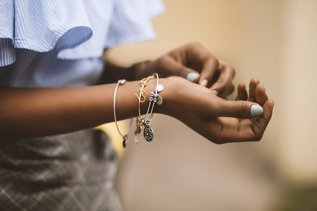 5 Mistakes To Avoid When Wearing Jewellery