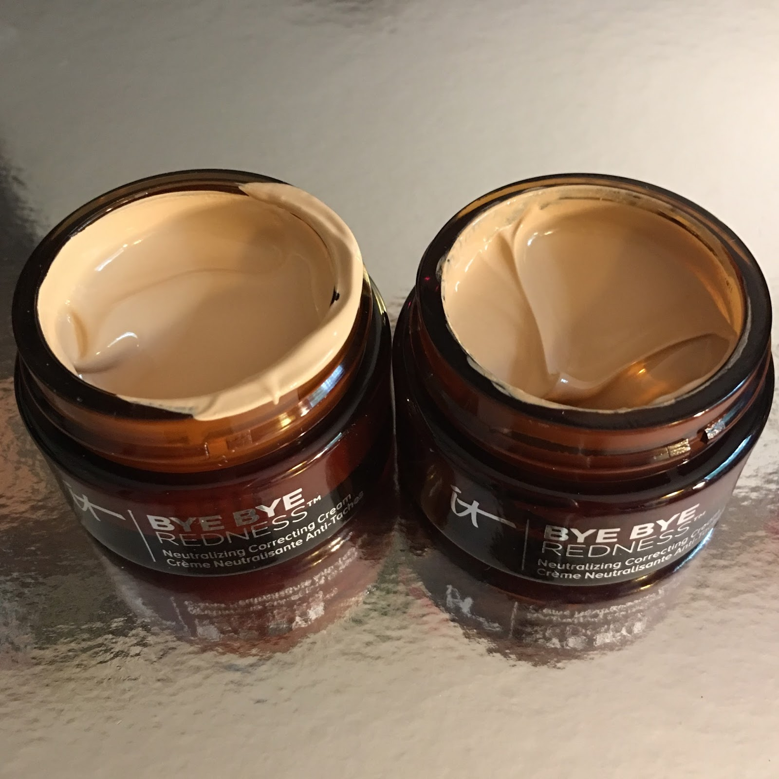 Bye Bye Redness Redness Erasing Correcting Powder by IT Cosmetics #18