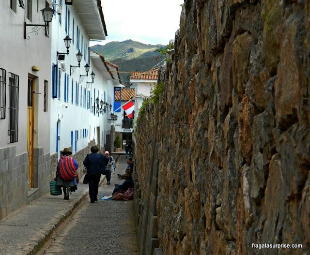 Uma rua típica de Cusco, Peru