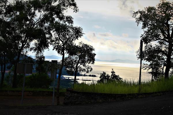 Puncak Bukit Rindu Alam - Catatan Nizwar ID