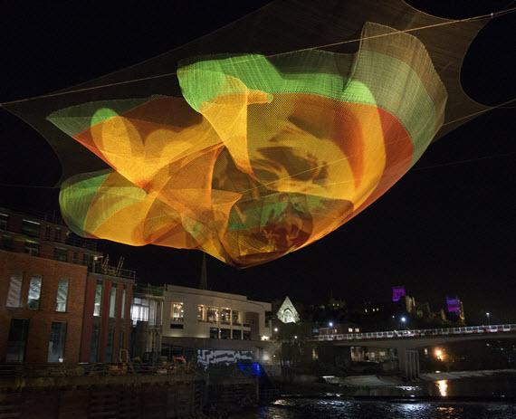 02DUR Echelman PhotoMelissaHenry 245 e Una escultura flotante en...