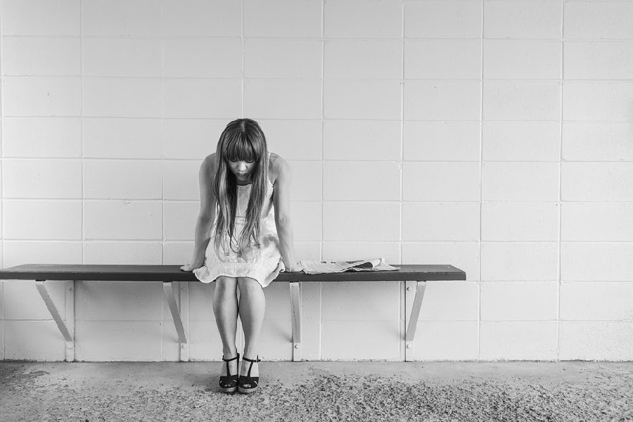 Menina depressiva