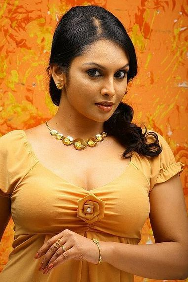 sexy-indian-hottest-bhabhi-still
