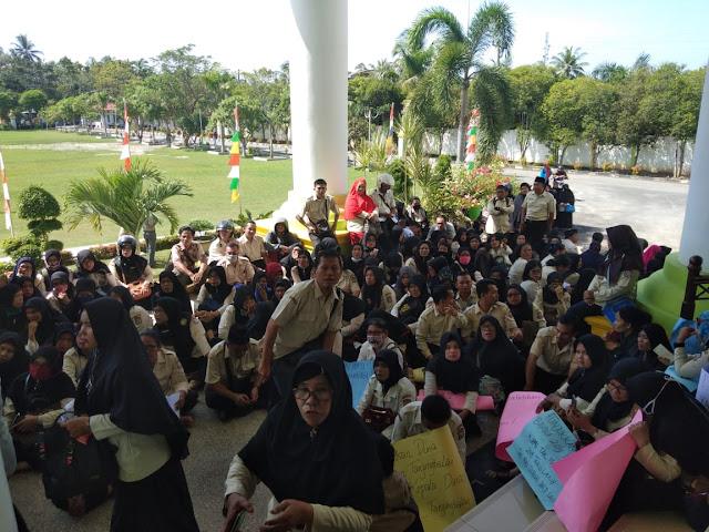 Didemo Ratusan Guru, Wakil Wali Kota Tanjungbalai Janjikan 2 Bulan Tukin
