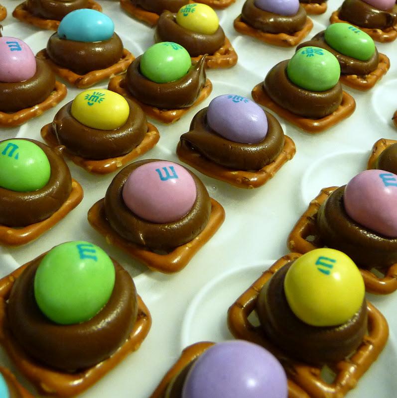 Easter Things: Making Stuff Is Fun.....: Easter Treats-Pretzel M&M