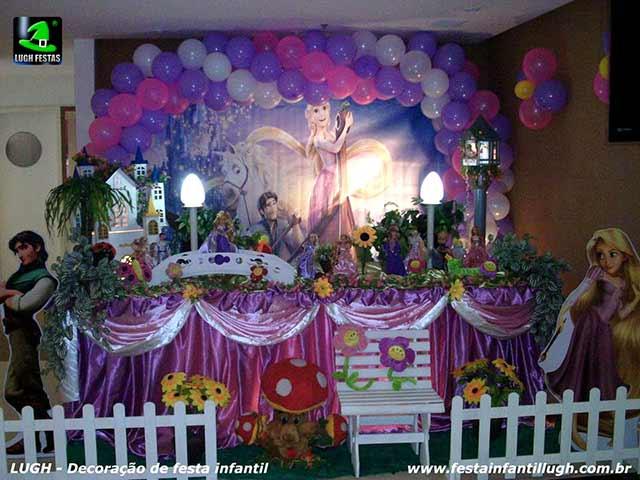 Decoração mesa de aniversário Os Enrolados Rapunzel para festa infantil feminina - Mesa de tema tradicional de tecido - pano