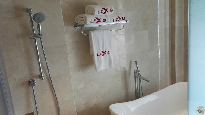 Penginapan Best di Lexis Suites Pulau Pinang