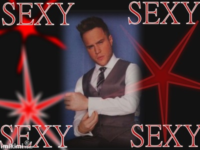 Olly Murs goes naked in cheeky snap as Robbie Williams