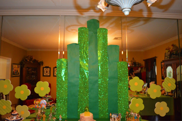 Snowflakes And Starfish Wizard Of Oz Party Food And Decor