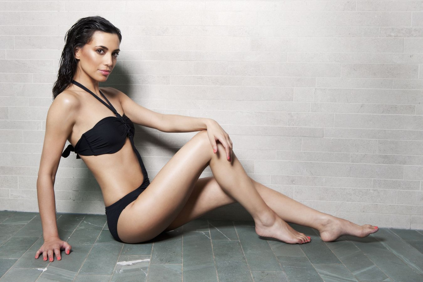 Angelina chung has her feet worshipped 9