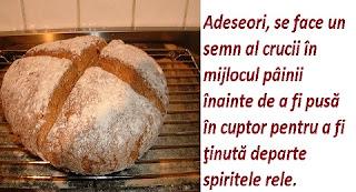Semnul crucii peste paine
